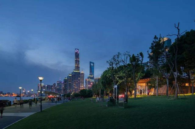 滨江大年夜道望江驿开放两座新驿站 取名初心和发明
