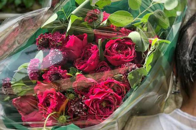 上海生活鲜花消费调查发布 朋友圈晒图助推鲜花消费