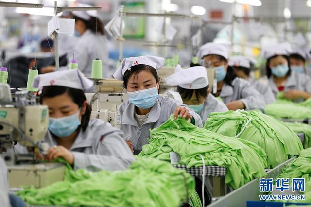 上海多家企业复工复产:筑牢防疫网 按下生产快进键