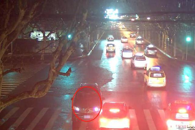 上海一男子醉驾逃逸竟逃到派出所 被民警当场抓获