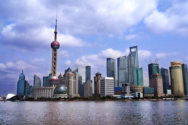 上海市决定将重大突发公共卫生事件一级响应调整为二级响应