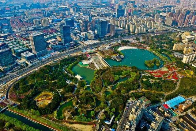 上海城市公园清明接待游客约173.9万人次 同比降五成