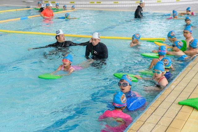全市游泳场所开放数691家 部分泳池试点启用二码合一