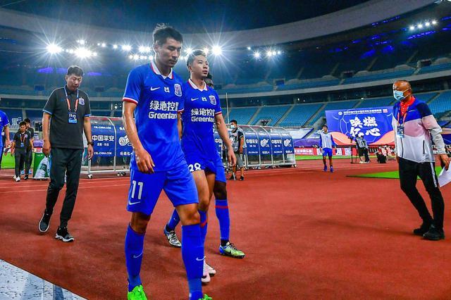 中超联赛揭开大幕 上海申花首战0比2不敌广州恒大