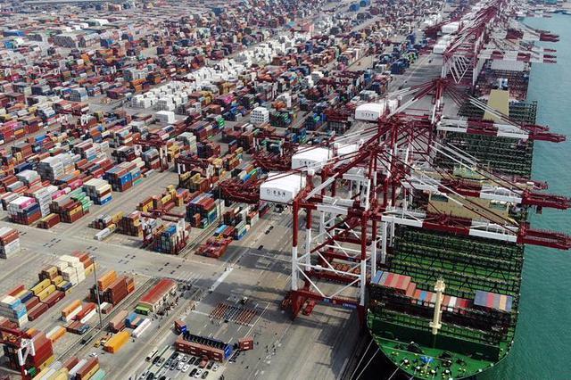 上海港7月集装箱吞吐量达390.3万标准箱 创造历史新高
