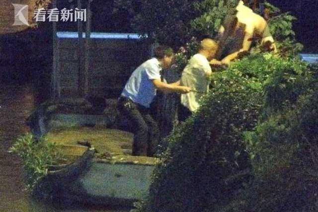 深夜上海青浦男子酒后跳河 辅警义无反顾下水救人