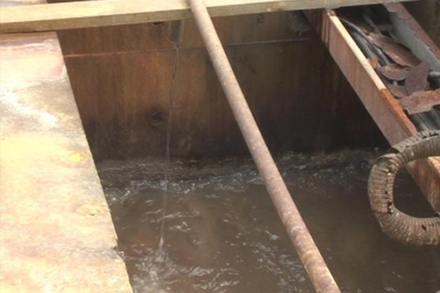 港陆黄浦中心大厦发生事故 三工人清理污水池沼气中毒