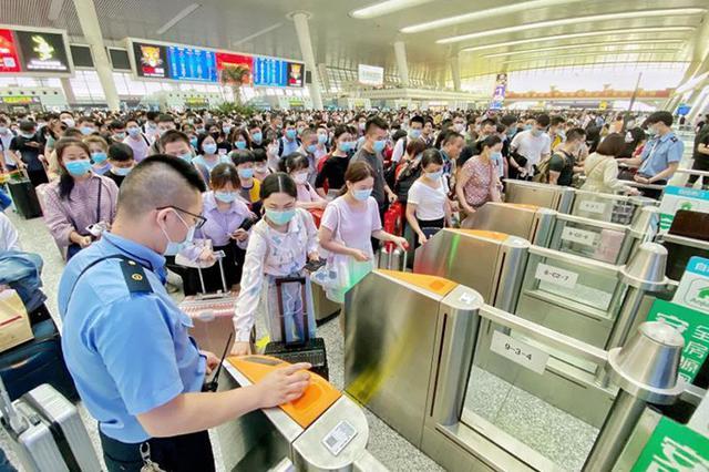 长三角铁路明日迎返程客流 上海三车站候车室通宵开放