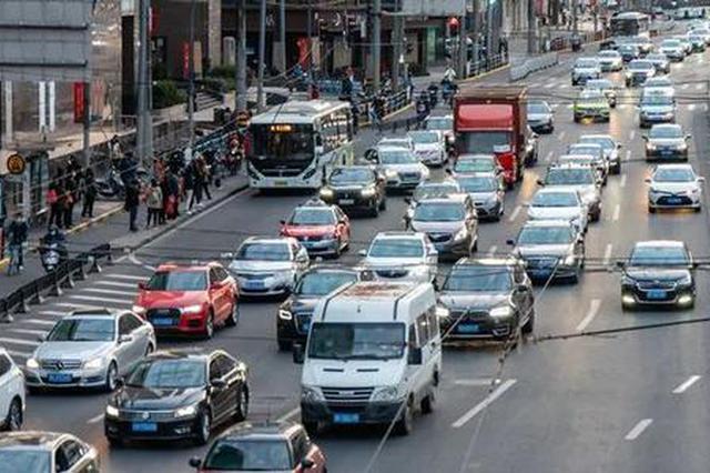 交警提醒:崇明往市区路段今明两天必堵 返程方向已见红