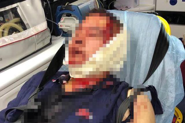 两名小学生打闹引发爸爸约架:一人头被敲破 警方已介入