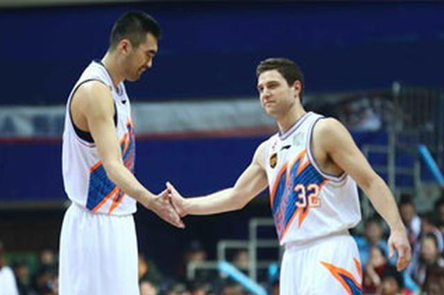 上海男篮时隔四年再获6连胜 闯进季后赛希望大增