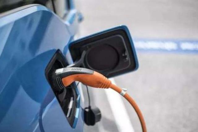 上海:修订出台新一轮鼓励购买使用新能源汽车实施办法