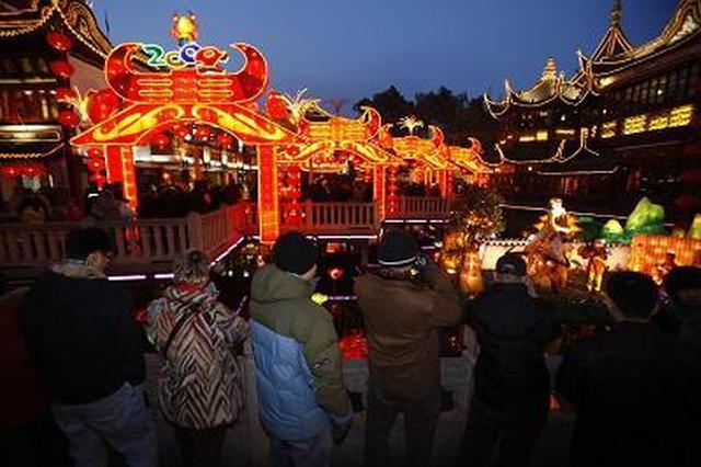 除夕夜上海城市安全有序 5万余名公安民警坚守岗位