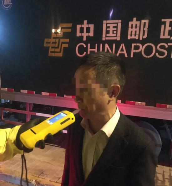 上海交警上周末共查获酒驾醉驾148起 其中醉驾54起