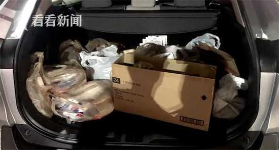 90后上海小囡放弃美国工作 扛回2箱防护用品赠疾控中心