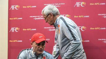 里皮宣布辞去国足主锻练职务