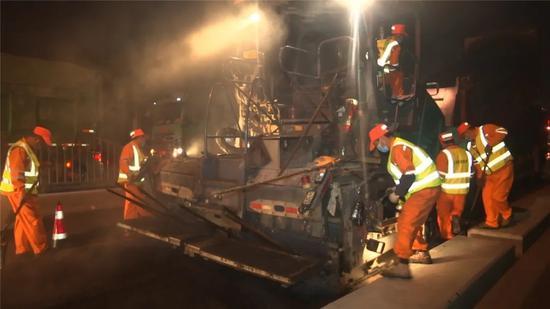 江杨南路大修工程进入冲刺阶段 预计月底竣工