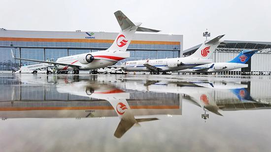 """6月28日,三大航接收首架ARJ21飞机。 """"大飞机""""微信公众号 图"""