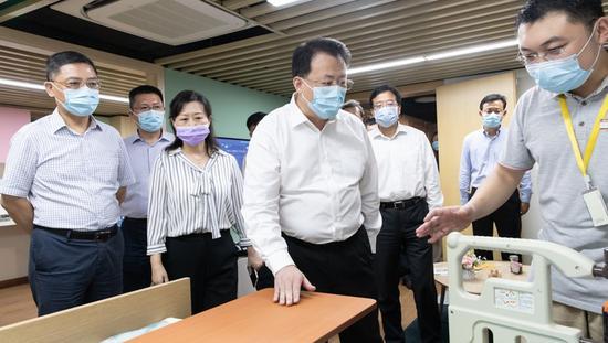 龚正调研上海养老服务 要发挥社会力量和市场机制作用