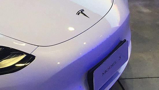国产特斯拉首批车主交付 Model Y车型制造正式启动
