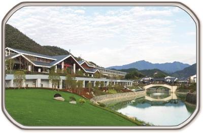 新建的千岛湖站依山傍水,如在画中。李忱摄