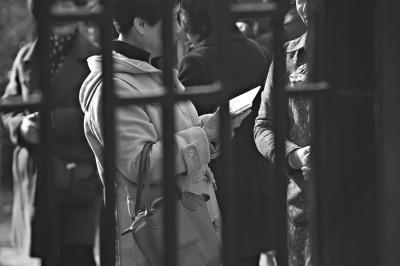 女海归拍下上海相亲角自身遭遇调侃 被戏谑为郊区房