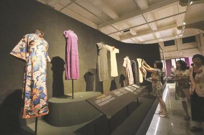 展览现场,海派旗袍精品集中亮相。