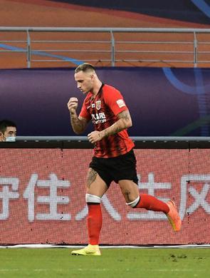上海上港4比0战胜河北华夏幸福