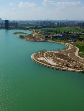 航拍镜头下的闵行兰香湖