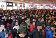 上海返程客流:火车站人山人海