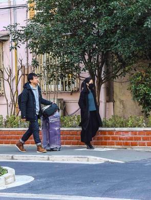 上海首条行李箱专用道亮相