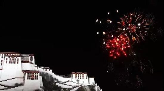2月 在拉萨过藏历新年