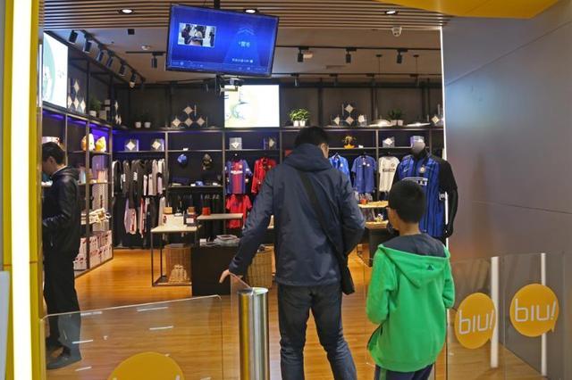 上海首家刷脸购物无人店满月 未来三年复制300家