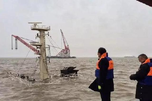 上海打捞局救助人员登轮 桑吉轮现两具船员遗体