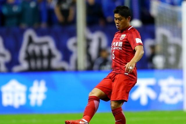 上港热身赛蔡慧康谈新任主教练:严厉严谨 重视防守