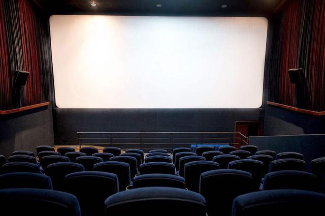 春节3天国内电影票房逾30亿元 刷新电影市场纪录
