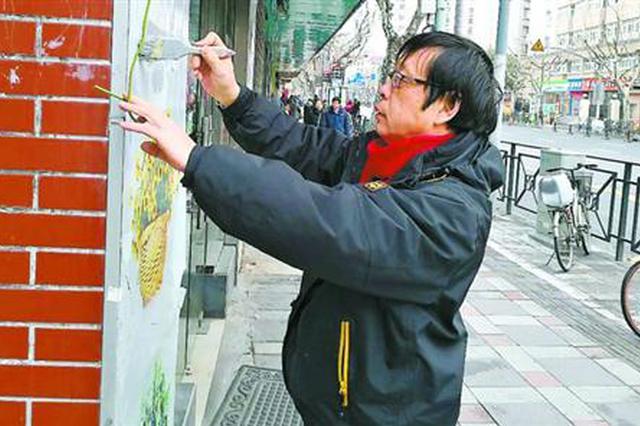 春节里忙碌的城市网格监督员:每天步行15公里风雨无阻
