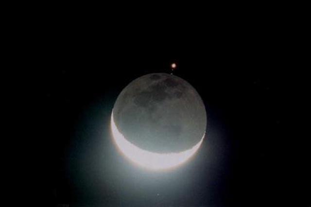 天宇23日将上演星月童话 上弦月遇毕宿五