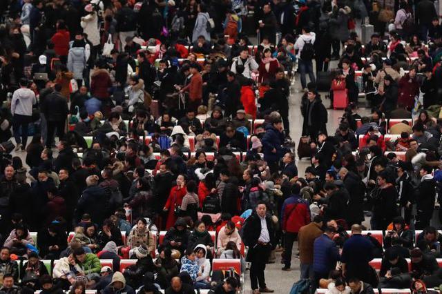 上海多举措应对春节返程客流 返程高峰将持续至元宵节