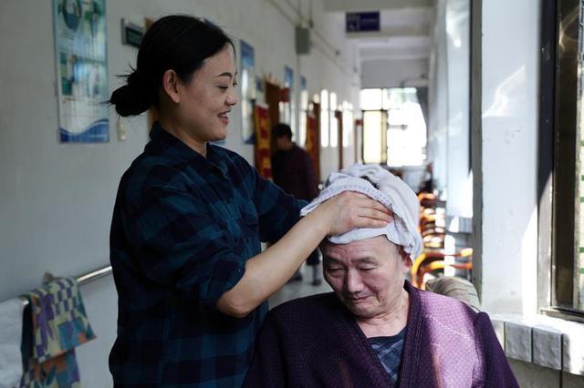 沪上多家机构推短期托养服务 解决老人长假照护问题