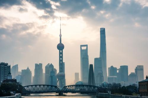 上海春节长假返程高峰遇阴雨天气 节后阳光回归
