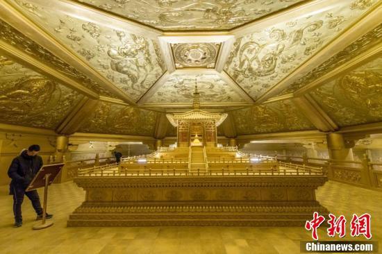 """太原:65吨纯铜打造""""黄金""""地宫"""