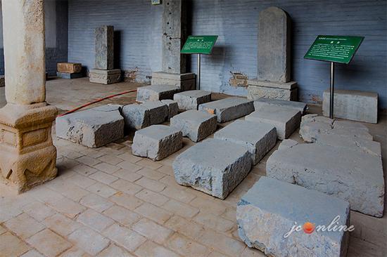 炎帝寝宫残存的碑碣
