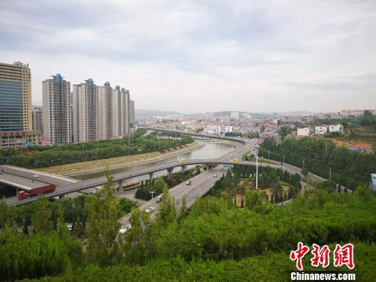 2019年,山西将建设黄河、长城、太行三大板块旅游公路1416公里。 资料图 杨杰英 摄