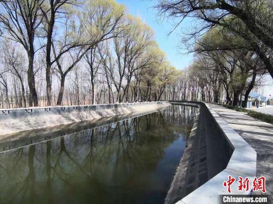 山西引入黄河水浇灌农田。 李新锁 摄
