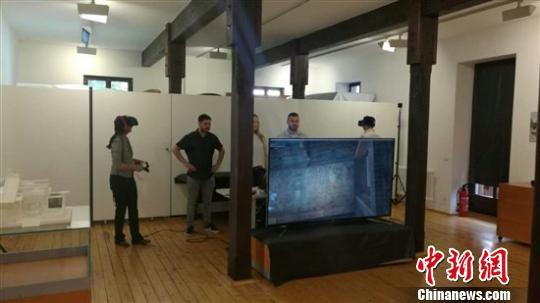 在德国凯泽斯劳滕市博物馆展示的大雄宝殿VR区。主办方提供