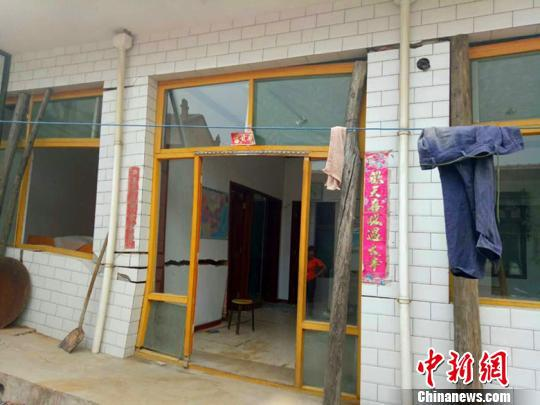 图为:文水县开栅镇房屋倒损。官方供图