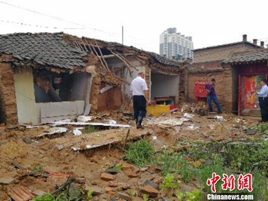 山阴县遭遇的强降雨,降雨集中,持续约50分钟,降雨量52.2毫米,全县4924人受灾,倒塌房屋99间。官方供图