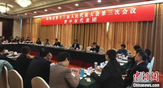 山西省十三届人大三次会议晋中代表团。 杨杰英 摄