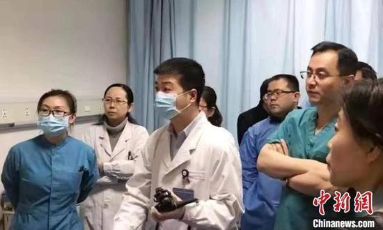 逆向武汉的山西医生:觉得这时候就应该去
